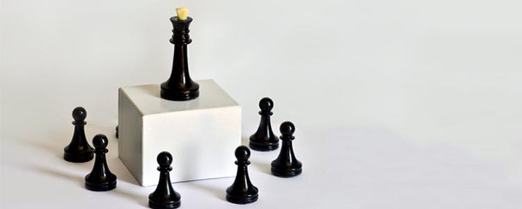 Marketing multinível e pirâmide entenda as diferenças de uma vez por todas - peças de xadrez
